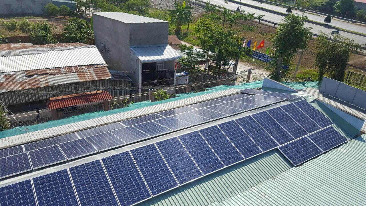 Lắp đặt hệ thống năng lượng mặt trời